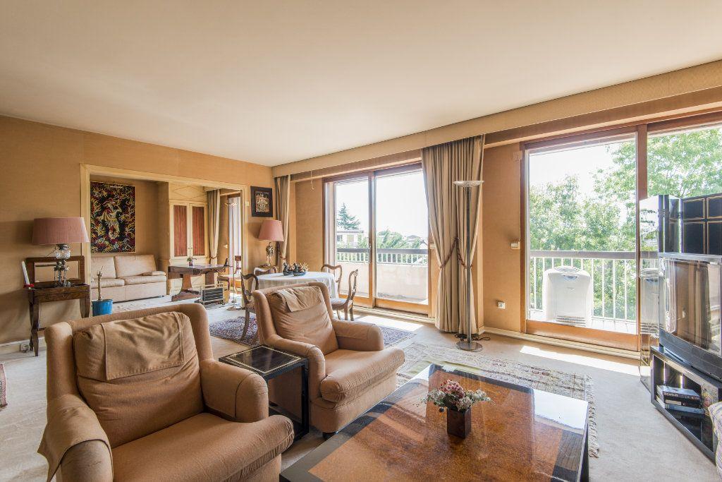 Appartement à vendre 4 93m2 à Garches vignette-7