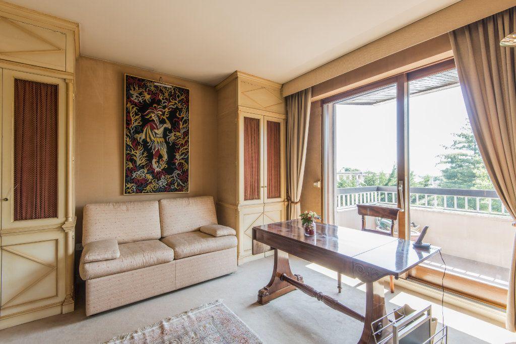 Appartement à vendre 4 93m2 à Garches vignette-11