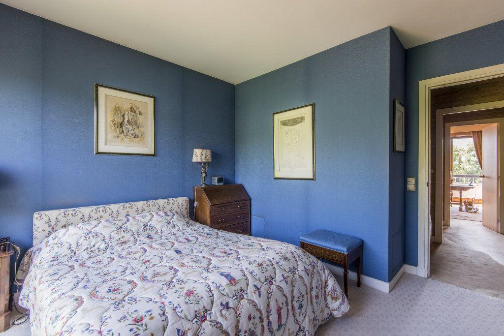 Appartement à vendre 4 93m2 à Garches vignette-14