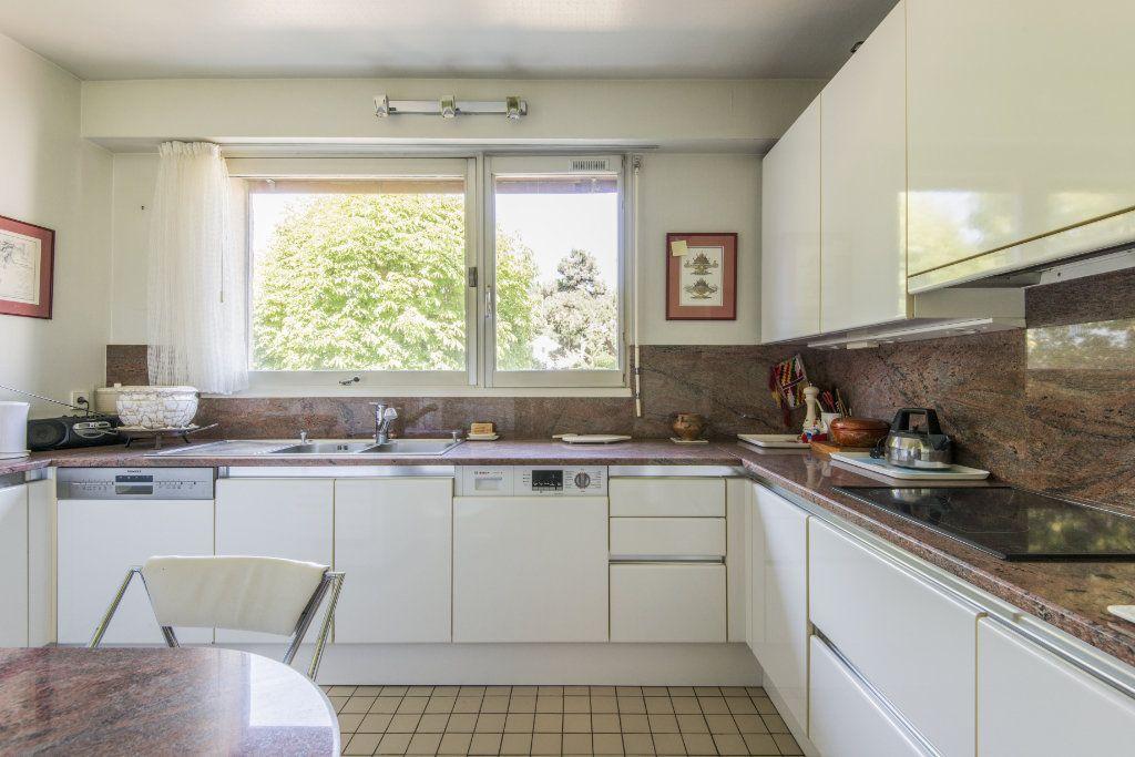 Appartement à vendre 4 93m2 à Garches vignette-15