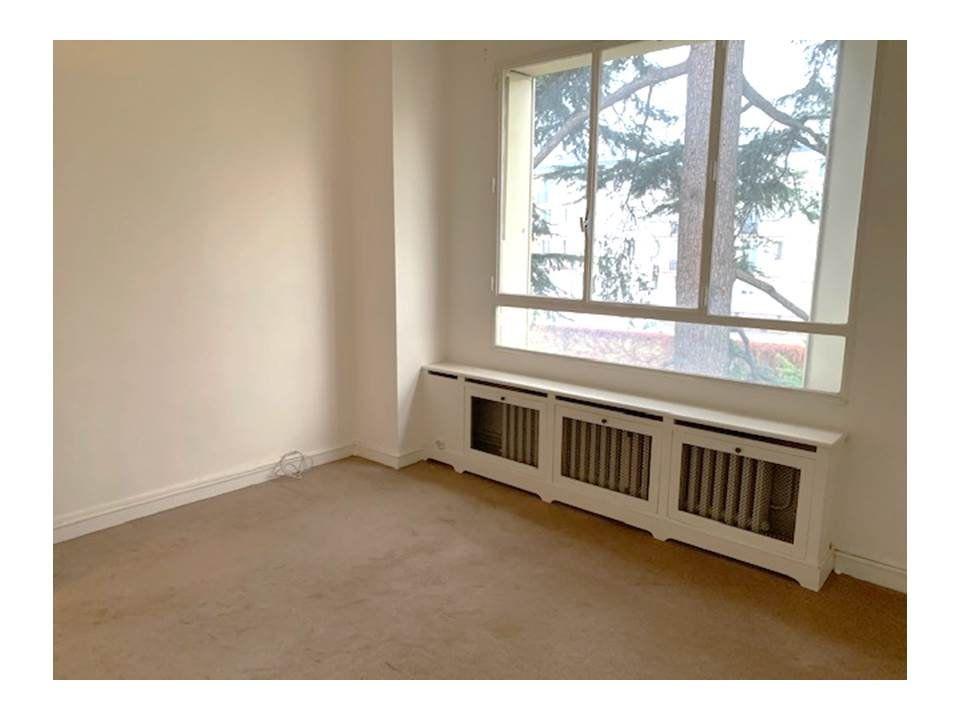 Appartement à louer 4 80m2 à Saint-Cloud vignette-6