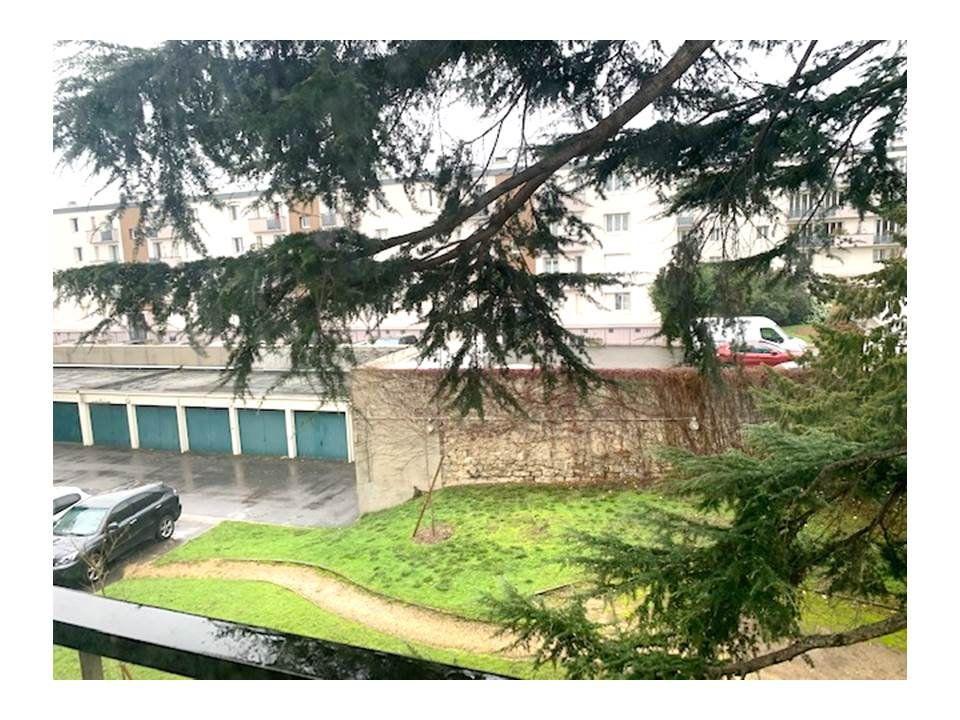 Appartement à louer 4 80m2 à Saint-Cloud vignette-7