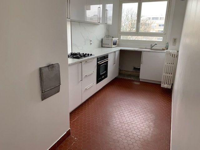 Appartement à louer 3 77.29m2 à Garches vignette-2