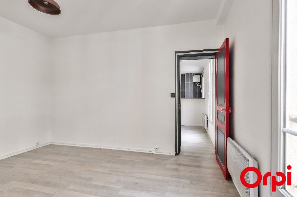 Appartement à vendre 2 37m2 à Paris 18 vignette-5