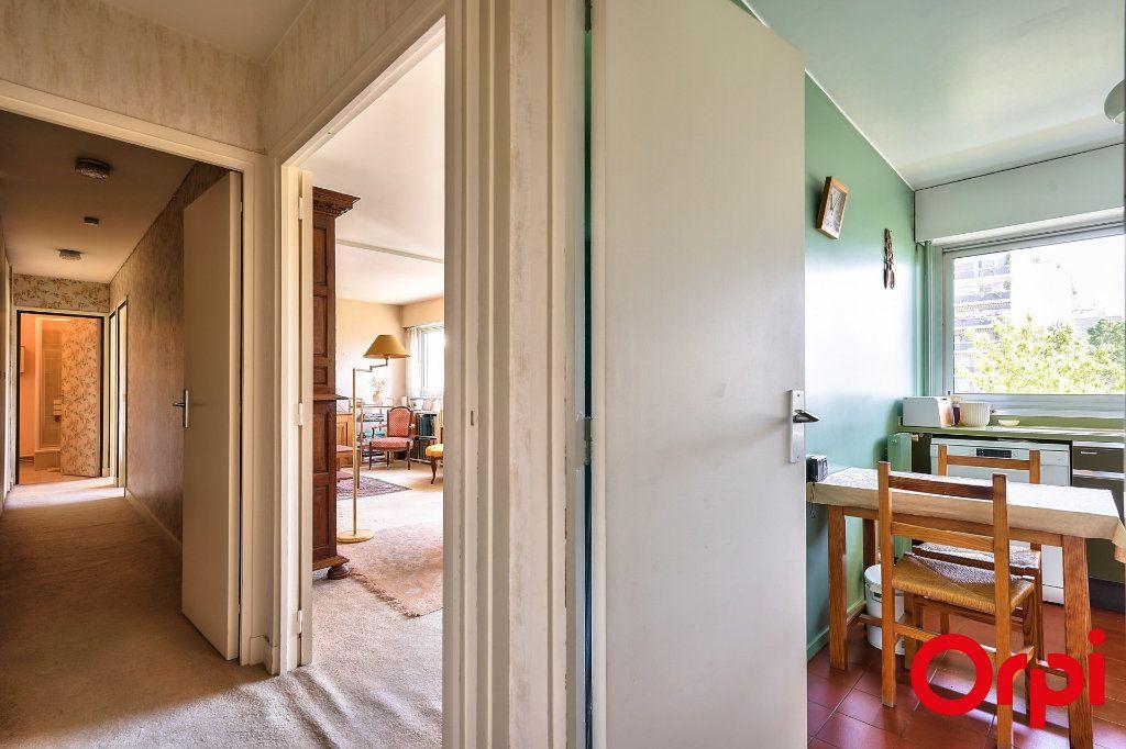 Appartement à vendre 3 64.42m2 à Paris 15 vignette-10