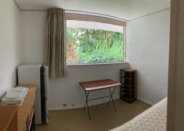 Appartement à louer 1 13.01m2 à Ville-d'Avray vignette-1