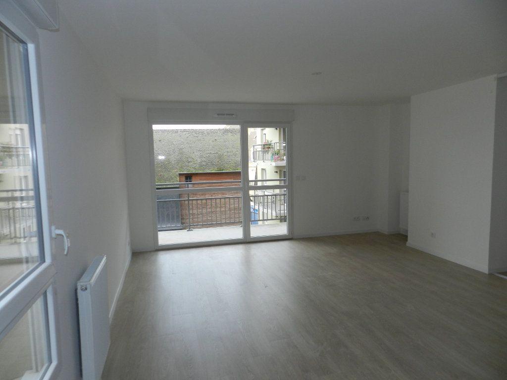 Appartement à vendre 3 64.4m2 à Dieppe vignette-1