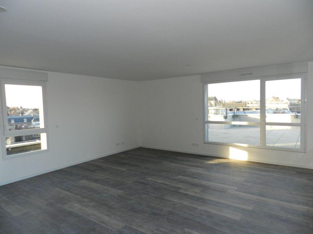 Appartement à vendre 5 109.79m2 à Dieppe vignette-2