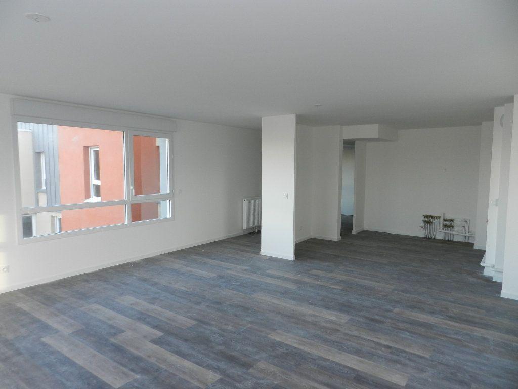 Appartement à vendre 5 109.79m2 à Dieppe vignette-3