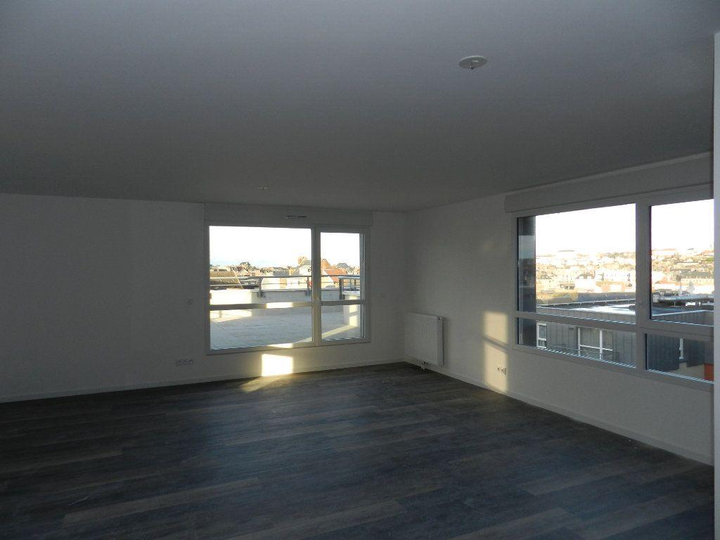 Appartement à vendre 5 109.79m2 à Dieppe vignette-7