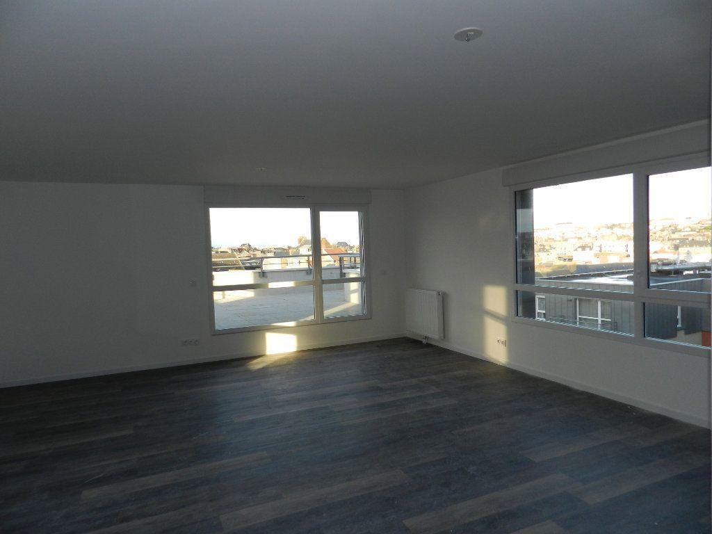 Appartement à vendre 5 109.79m2 à Dieppe vignette-8