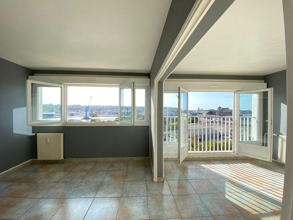 Appartement à vendre 4 73.56m2 à Dieppe vignette-1