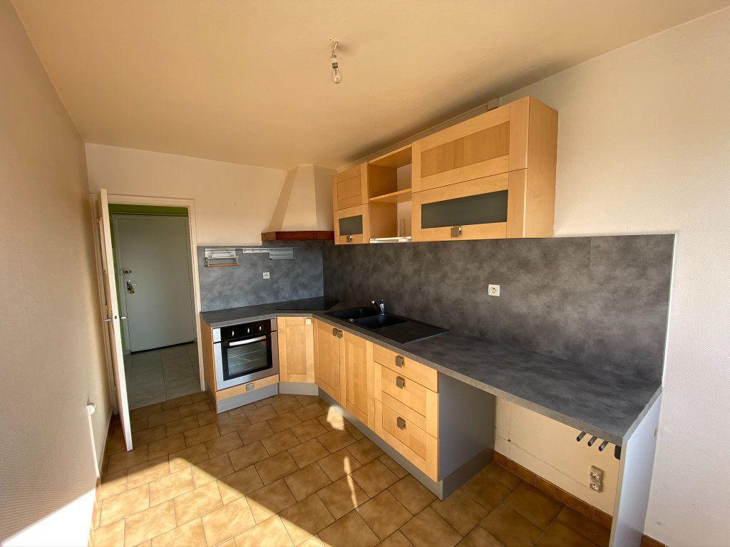 Appartement à vendre 4 73.56m2 à Dieppe vignette-5