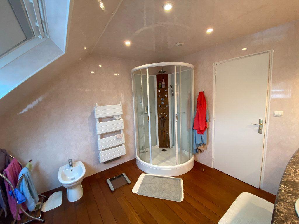 Maison à vendre 7 187m2 à Saint-Quentin-au-Bosc vignette-9