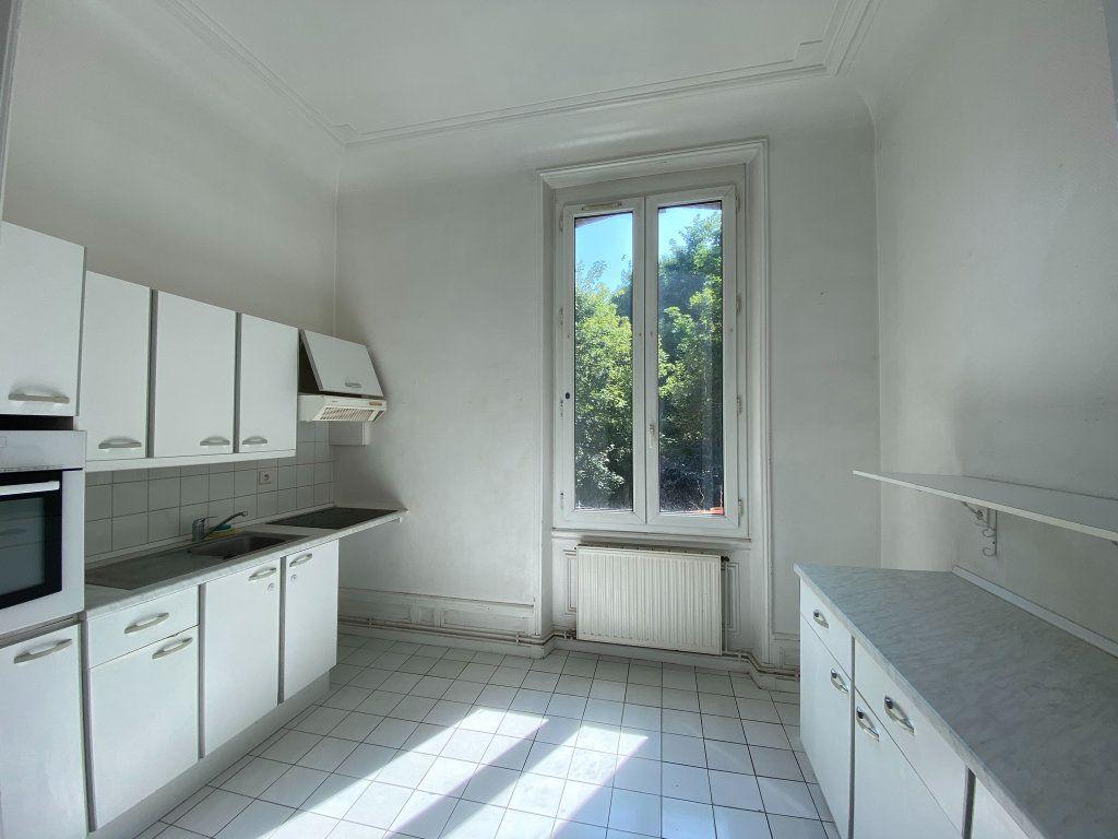 Appartement à vendre 4 115.7m2 à Dieppe vignette-8