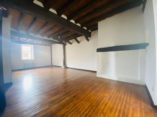 Maison à louer 5 120m2 à Aigues-Vives vignette-2