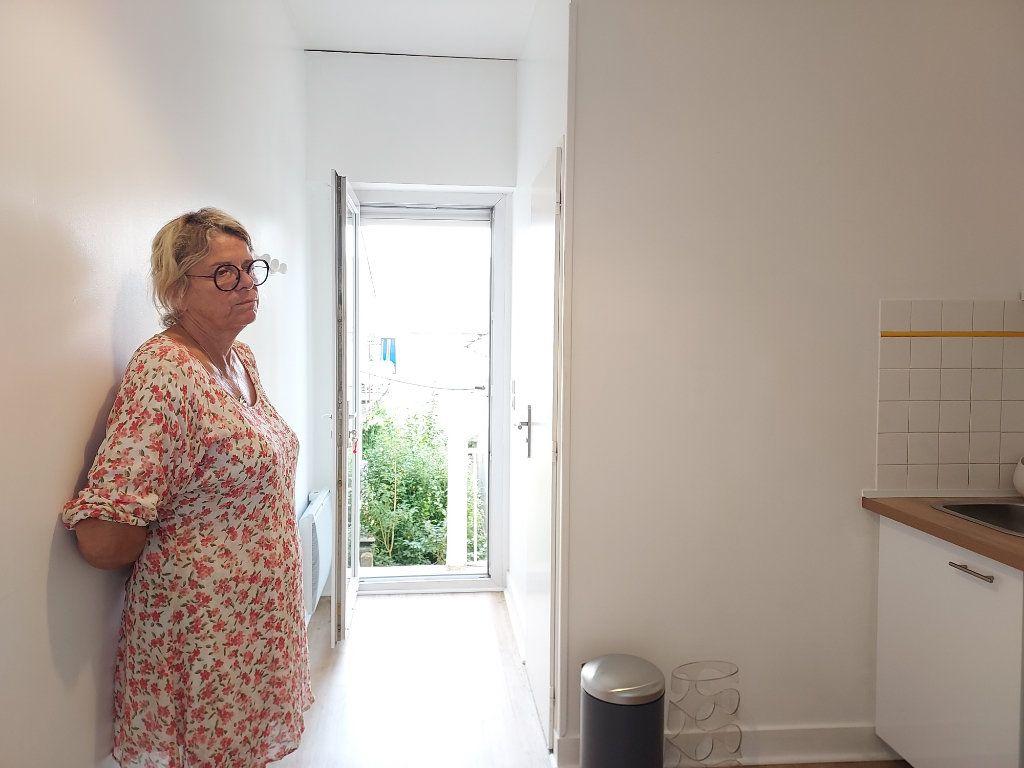 Appartement à louer 2 25m2 à Pessac vignette-1
