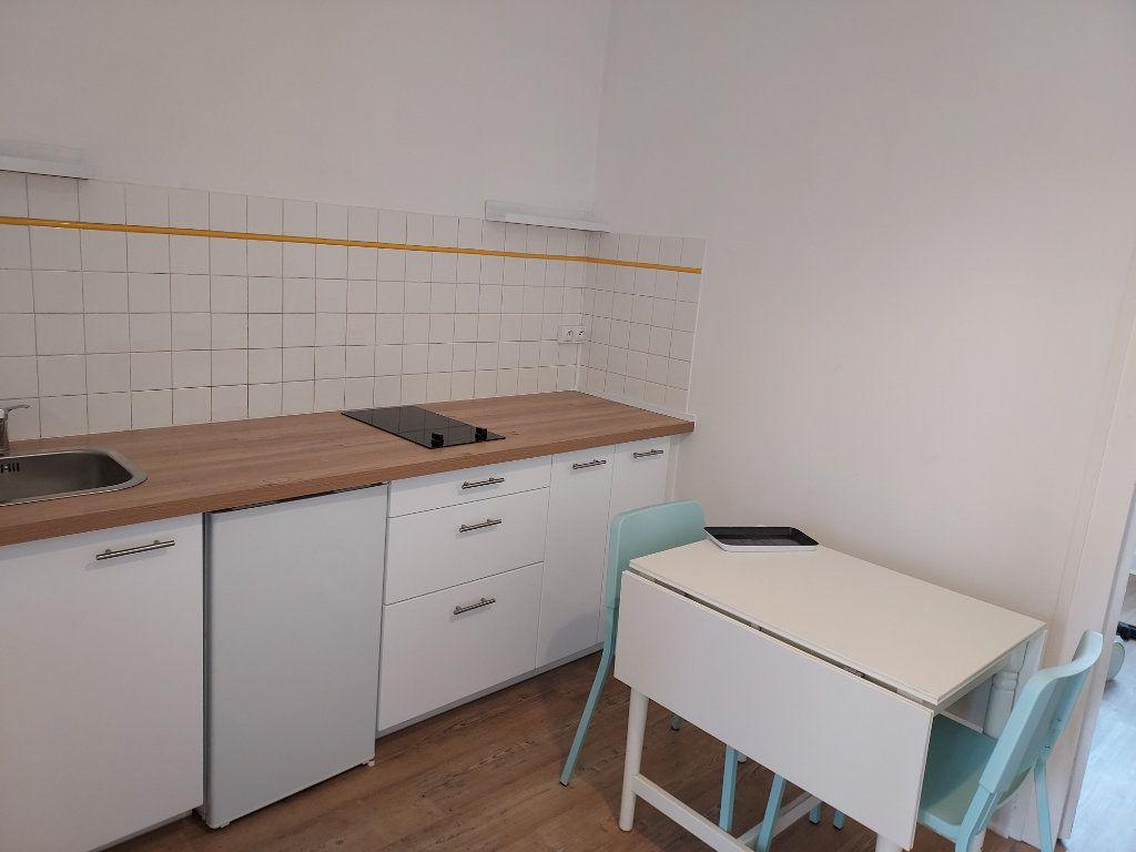 Appartement à louer 2 25m2 à Pessac vignette-2