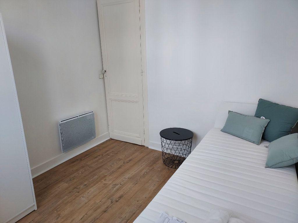 Appartement à louer 2 25m2 à Pessac vignette-3