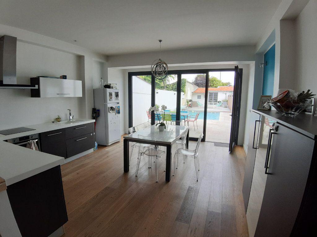 Maison à vendre 5 150m2 à Bordeaux vignette-2