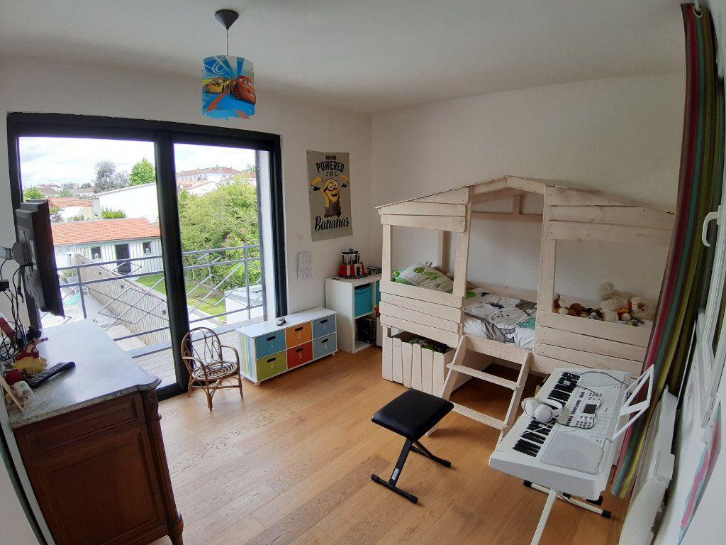 Maison à vendre 5 150m2 à Bordeaux vignette-5