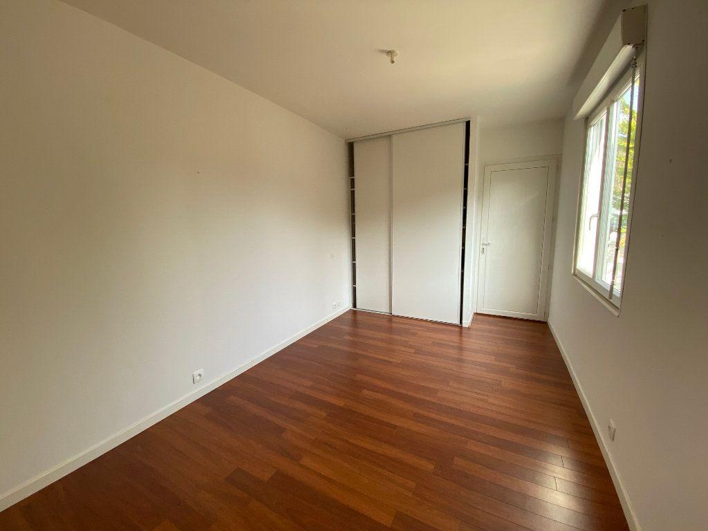 Maison à vendre 5 112m2 à Pessac vignette-9