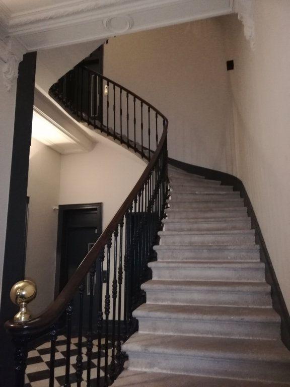 Appartement à louer 4 86m2 à Bordeaux vignette-2