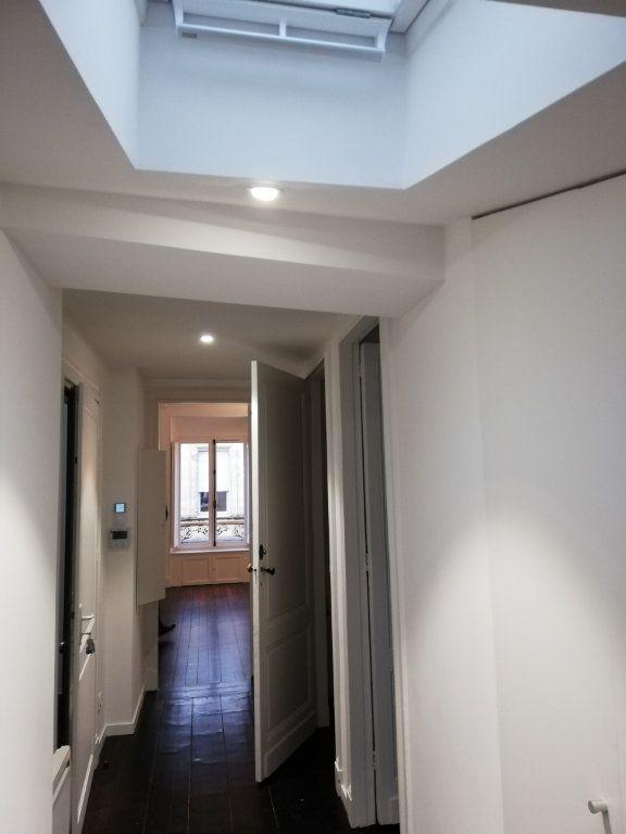 Appartement à louer 4 86m2 à Bordeaux vignette-3
