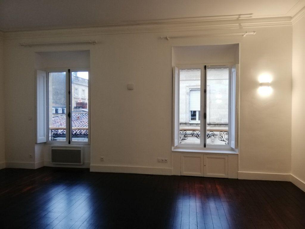 Appartement à louer 4 86m2 à Bordeaux vignette-4