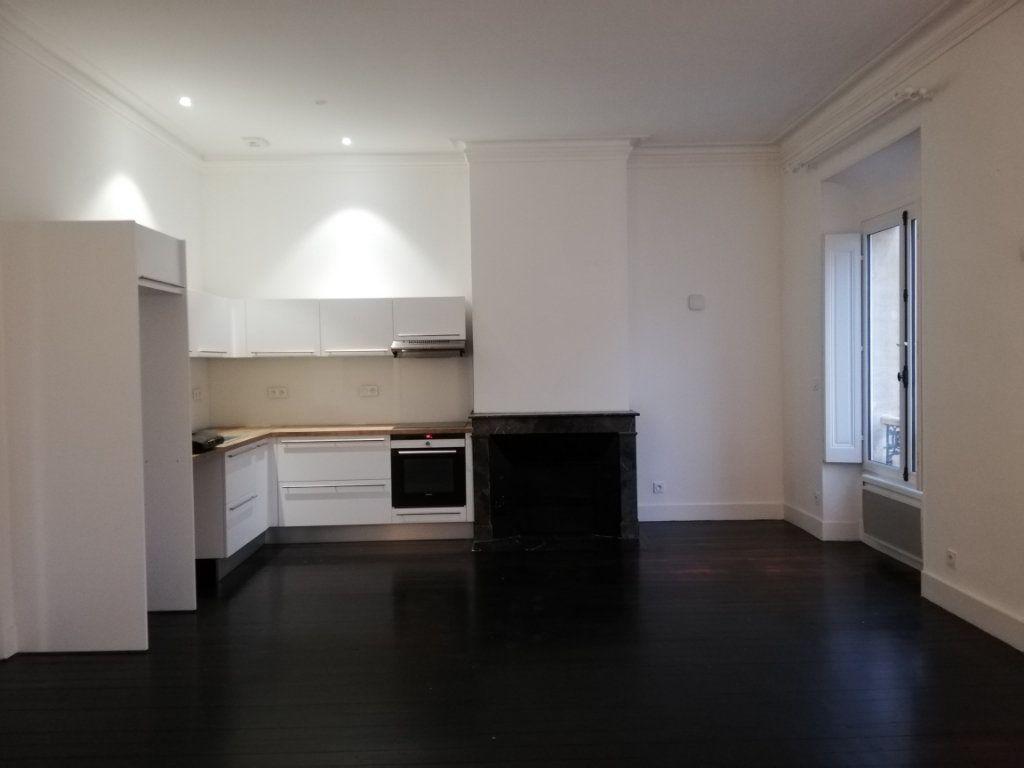 Appartement à louer 4 86m2 à Bordeaux vignette-6