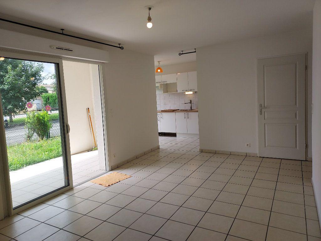 Appartement à louer 2 47m2 à Montussan vignette-2