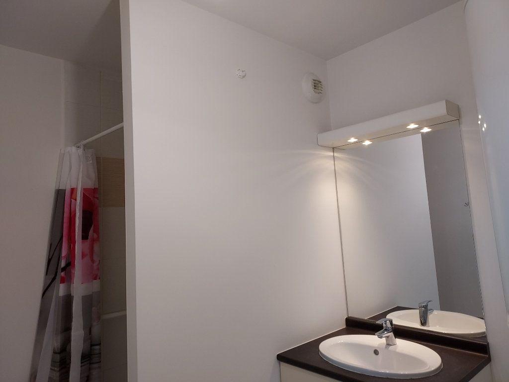 Appartement à louer 2 47m2 à Montussan vignette-6