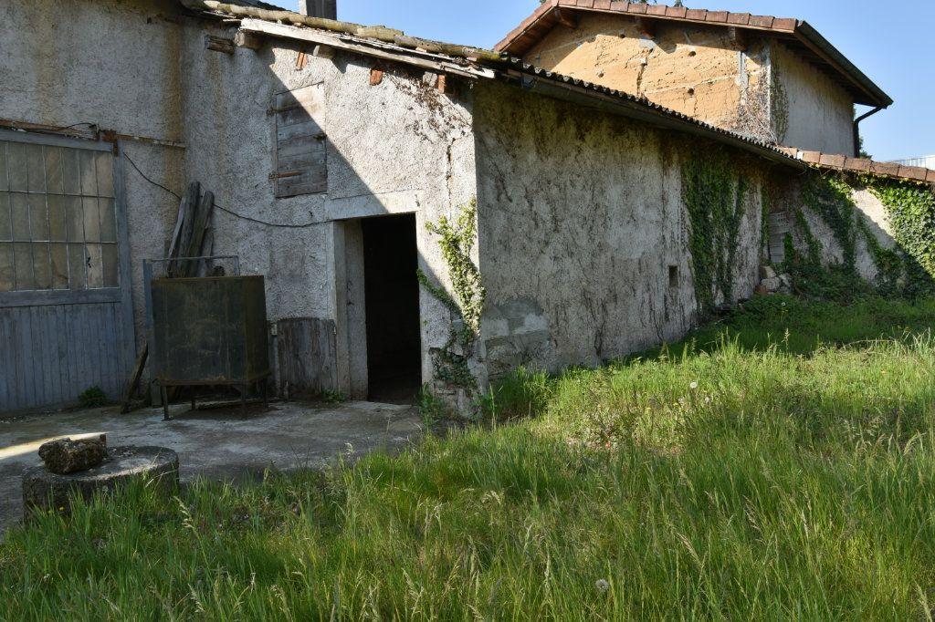 Maison à vendre 4 109m2 à Saint-Maurice-de-Beynost vignette-2