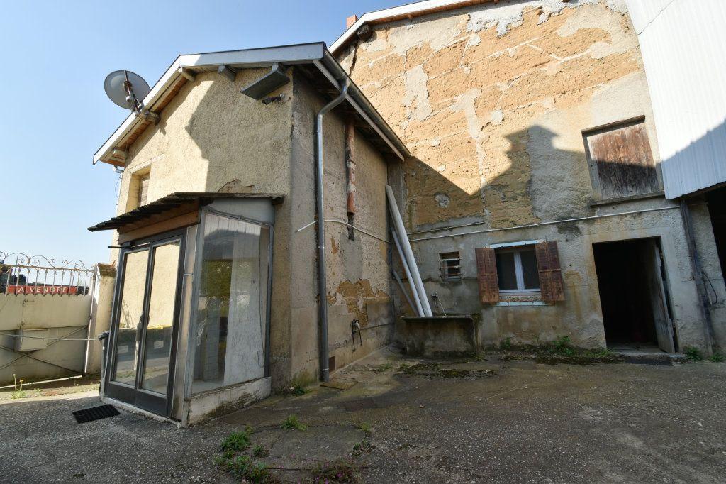 Maison à vendre 4 109m2 à Saint-Maurice-de-Beynost vignette-5