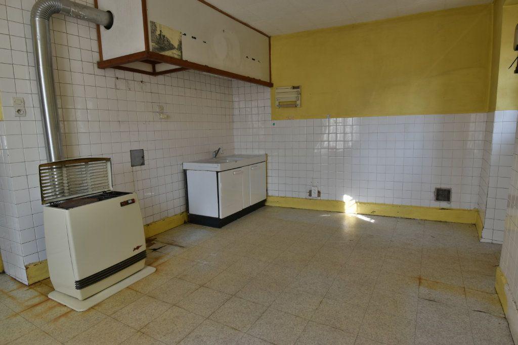 Maison à vendre 4 109m2 à Saint-Maurice-de-Beynost vignette-6