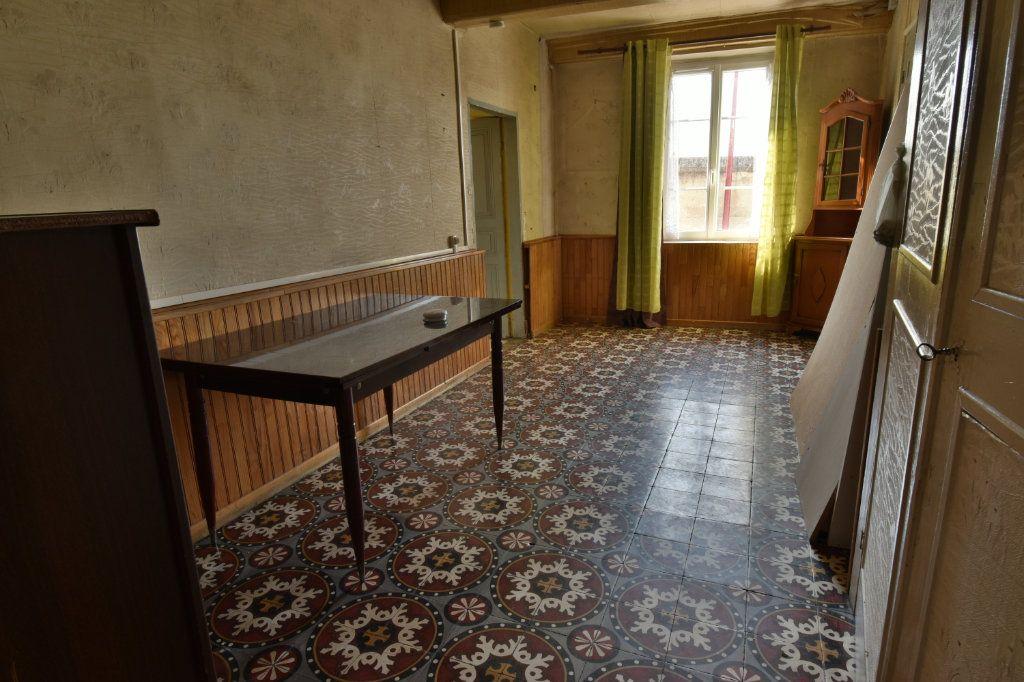Maison à vendre 4 109m2 à Saint-Maurice-de-Beynost vignette-7