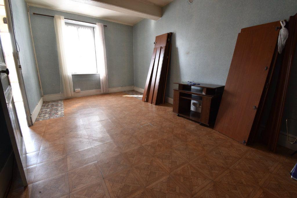 Maison à vendre 4 109m2 à Saint-Maurice-de-Beynost vignette-10