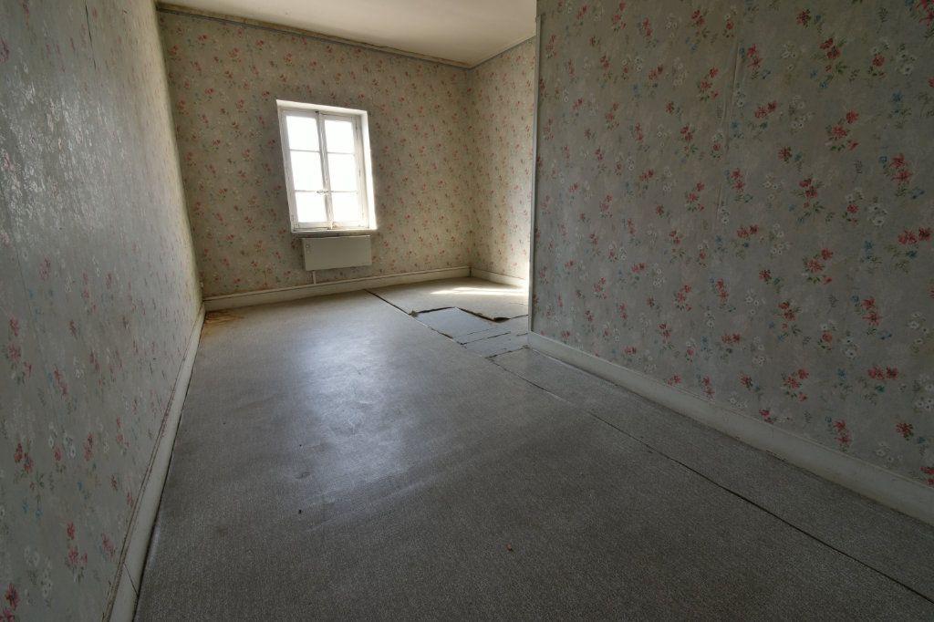 Maison à vendre 4 109m2 à Saint-Maurice-de-Beynost vignette-12