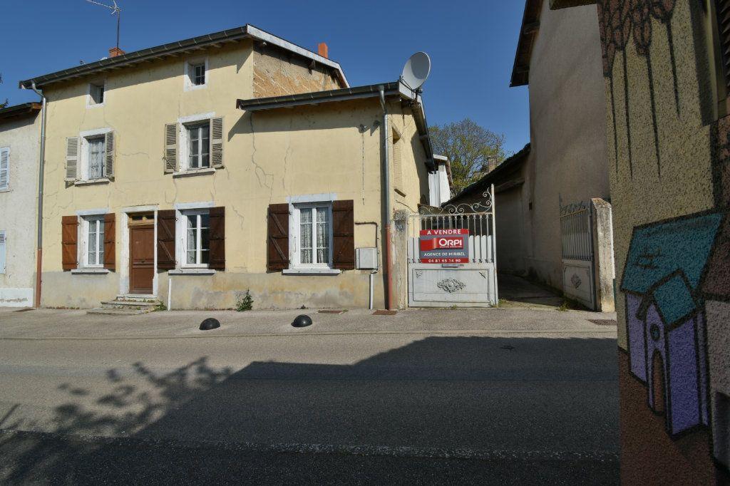 Maison à vendre 4 109m2 à Saint-Maurice-de-Beynost vignette-13