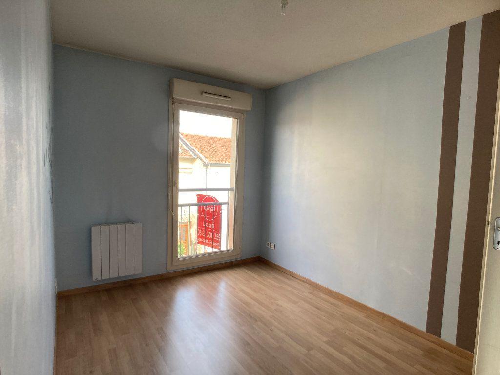Appartement à louer 2 41m2 à Nancy vignette-4