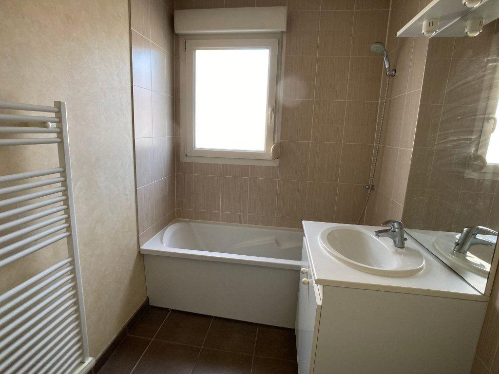 Appartement à louer 2 41m2 à Nancy vignette-5