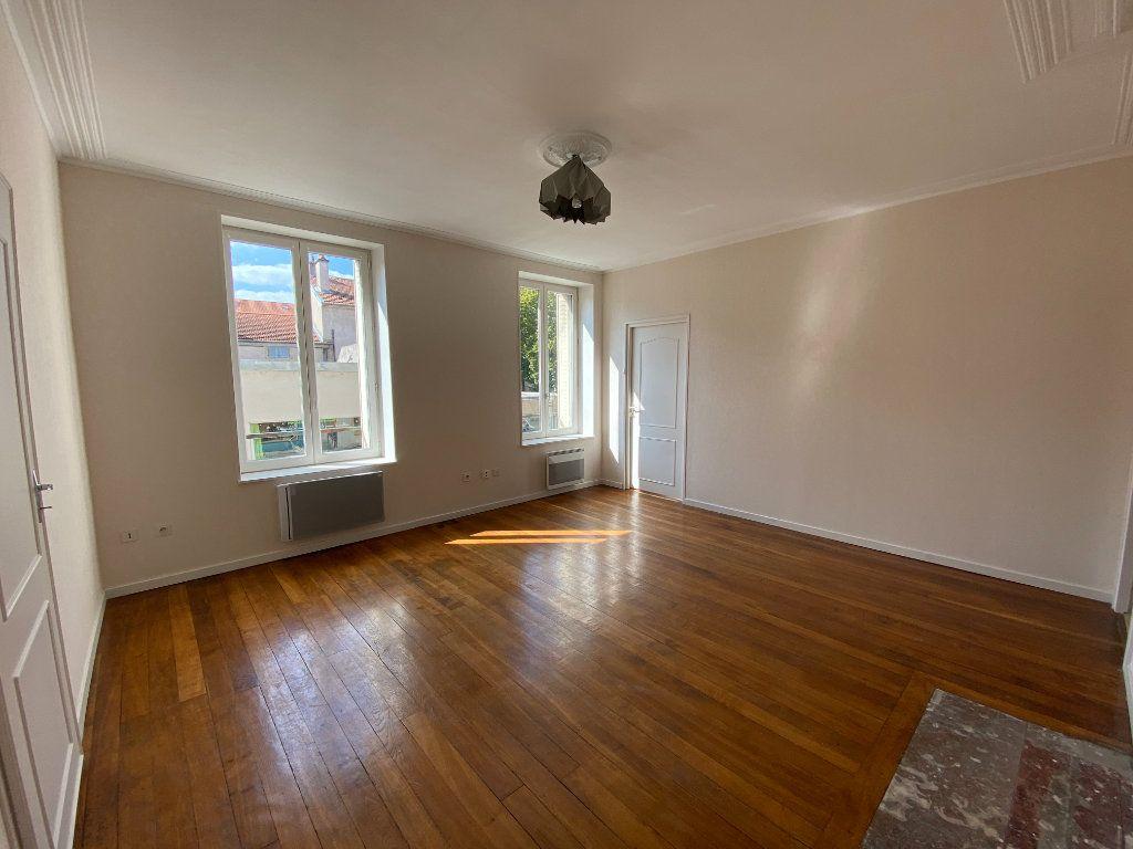 Appartement à louer 3 70m2 à Nancy vignette-1