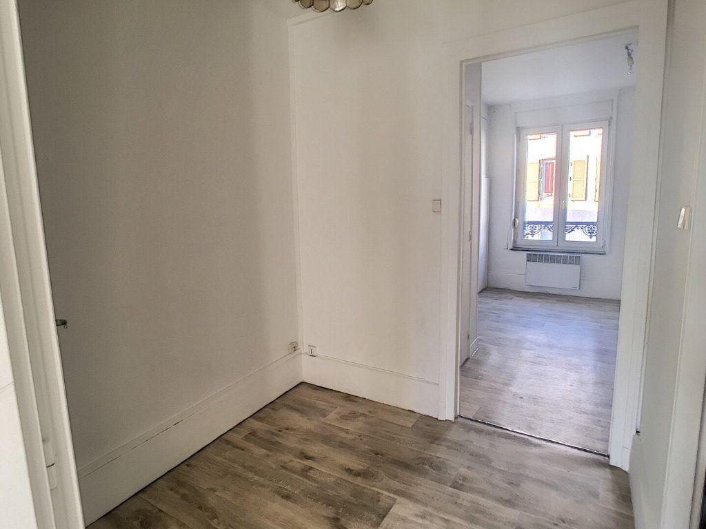 Appartement à louer 2 36m2 à Nancy vignette-3