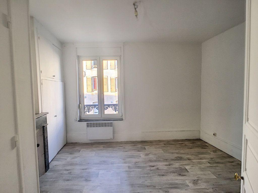 Appartement à louer 2 36m2 à Nancy vignette-4