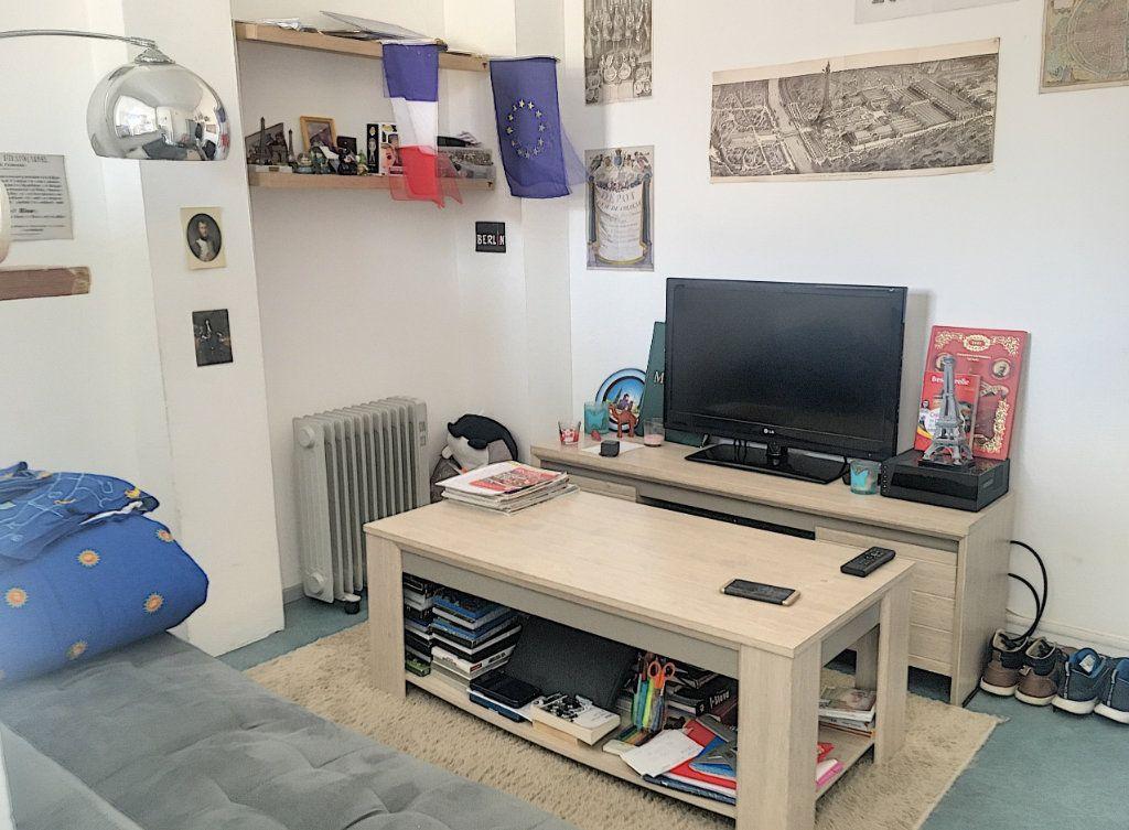 Appartement à louer 1 18.86m2 à Nancy vignette-2