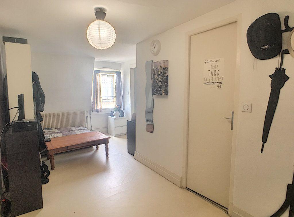 Appartement à louer 2 39m2 à Nancy vignette-2