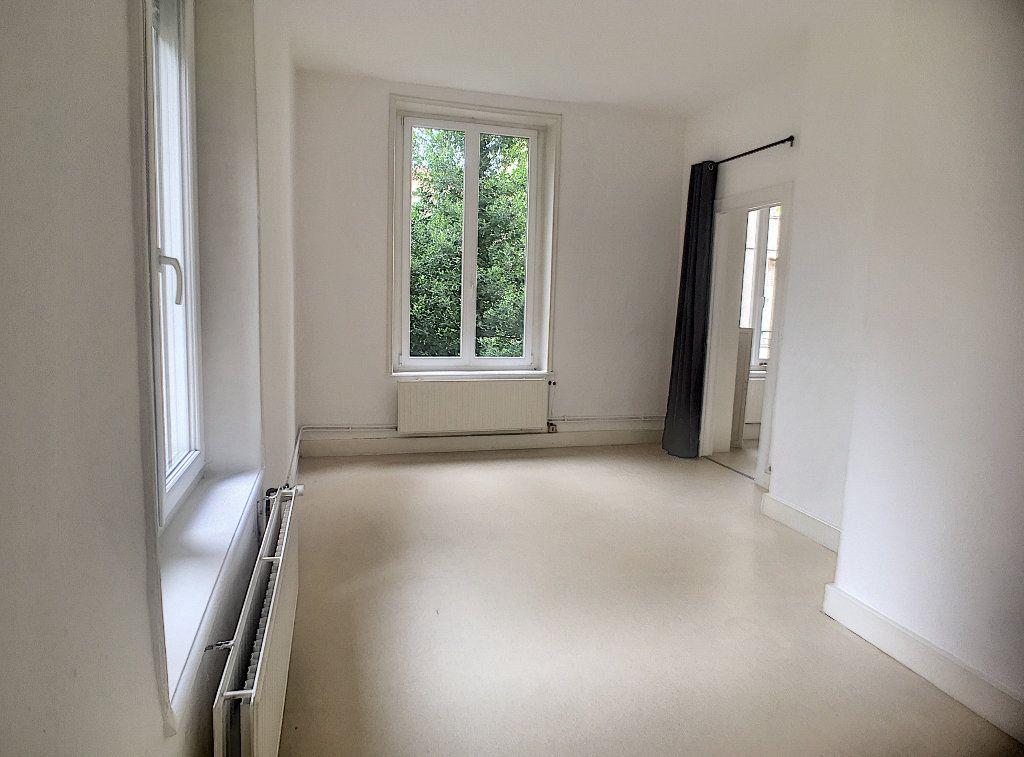 Appartement à louer 1 35m2 à Nancy vignette-1