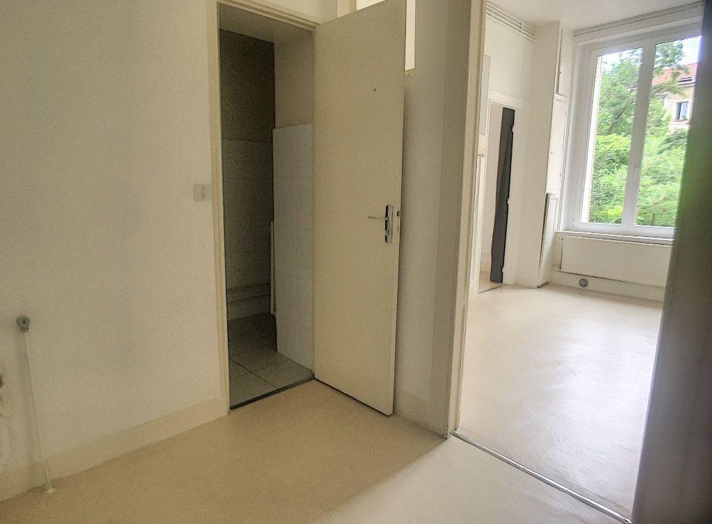 Appartement à louer 1 35m2 à Nancy vignette-5