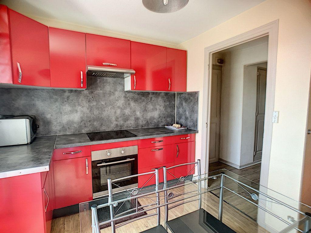 Appartement à louer 2 30m2 à Nancy vignette-6