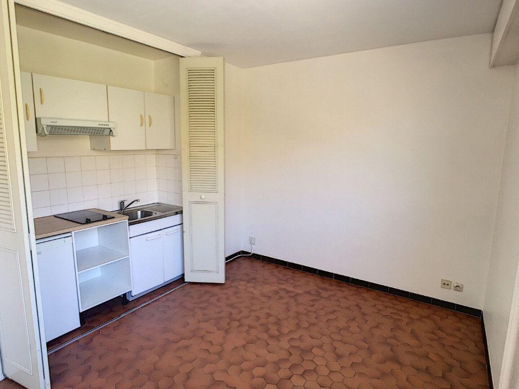 Appartement à louer 2 36m2 à Nancy vignette-1